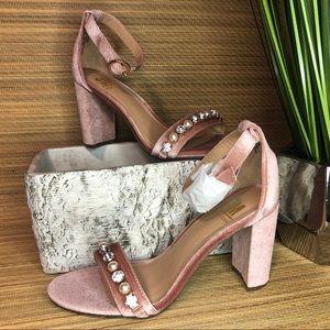 SM New York Valletta Suede heels size 6.5